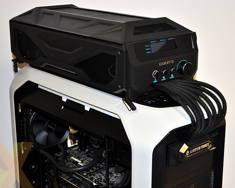 Gigabyte 3-way SLI GTX 980 Water Cooling System