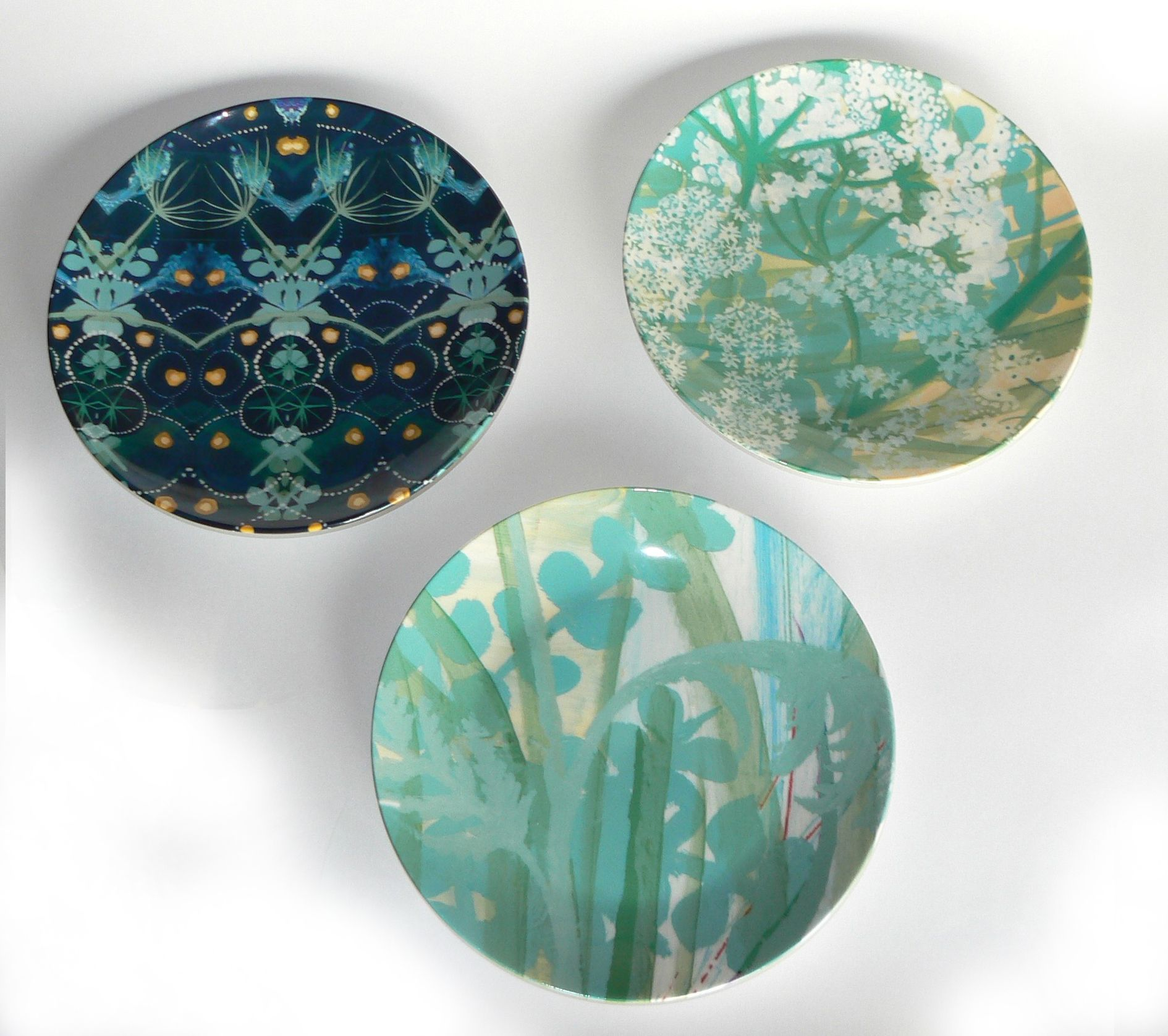 Blooming Bryony plates printed using an Epson SureColor SC-F printer and sublimated by SubliTec